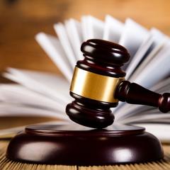Послуги професійних адвокатів, юристів